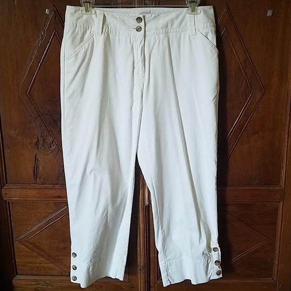 Charter Club Pants - Like New Charter Club White Cropped Pants